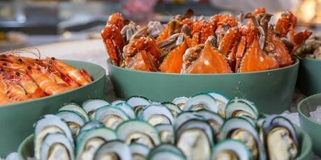 【五星级酒店|北京金隅喜来登大酒店】仅158元=单人午餐自助!仅198元=单人晚餐自助!各种海鲜、刺身、牛排、铁板扒档、新鲜水果、甜品、饮料中西式菜品…纵享星级品质服务