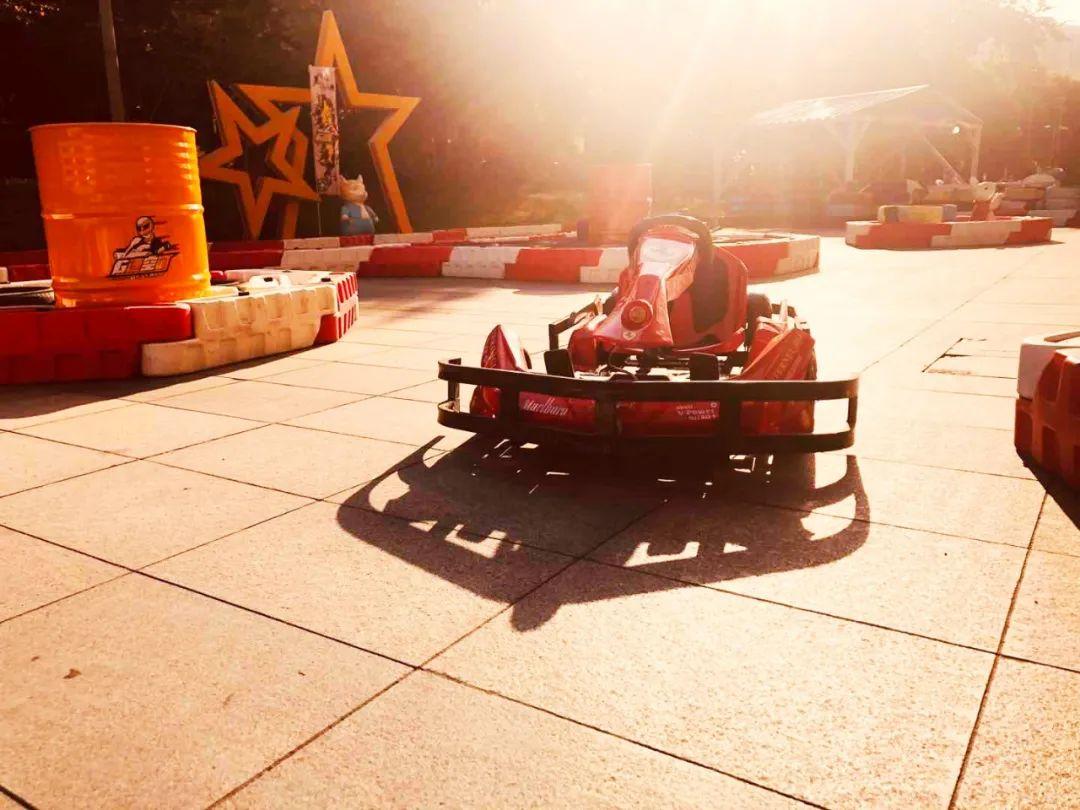 【星光大道店&中大银泰城店 2店通用】19.9元享【G速空间】卡丁车单次票8分钟,周末遛娃好去处,让孩子感受风驰电挚般的速度!