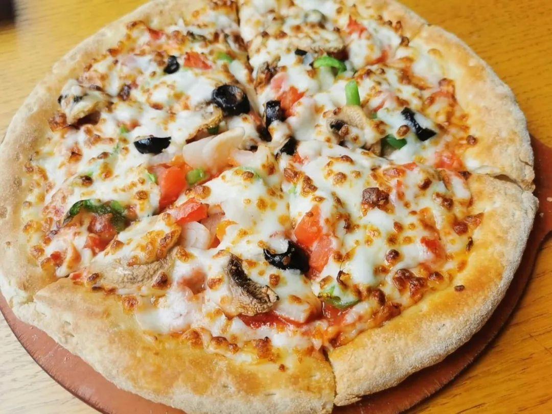 【勒泰万达|2店通用|棒约翰】披萨界大佬!59.9/69.9元享门市价169/181元套餐!法式田园、BBQ鸡肉披萨、凯撒沙拉…