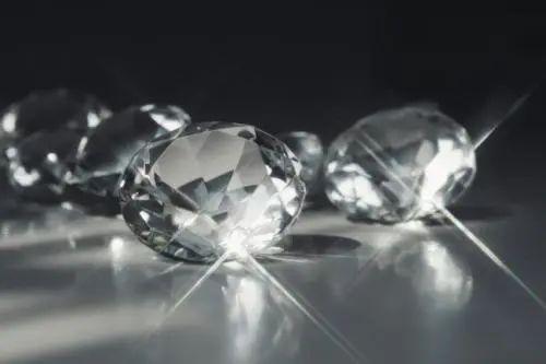 【无需预约•51店通用】仅99/119元享门市价1699元【曼卡龙珠宝(带证书)】钻石项链套餐,实力颜值的项链手镯,低调奢华,送给爱人的好选择~
