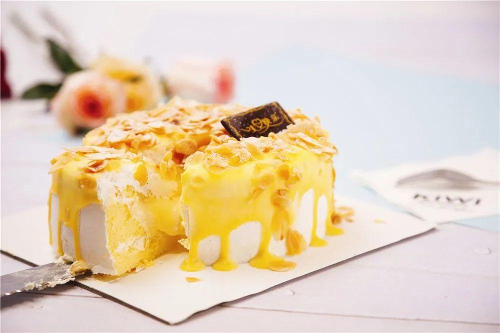 【黄浦、静安、浦东三店通用】【品质在线】【好吃不贵的爆浆蛋糕强势来袭】【KIWI】甜蜜的口感幸福滋润每一天!甜食就是可以提升人的幸福感!KIWI为您准备了59.9/79.9的甜蜜套餐A/B,快乐开启