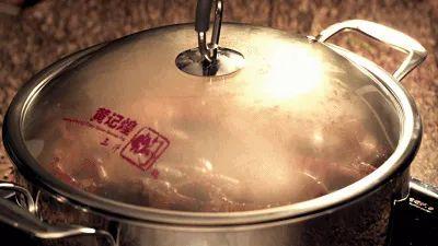 【黄记煌丨7店通用丨无需预约】火了16年的焖锅大佬来了!139.9元享门市价236元4人餐!巴沙鱼、鸡腿肉、虾、培根、各式蔬菜…