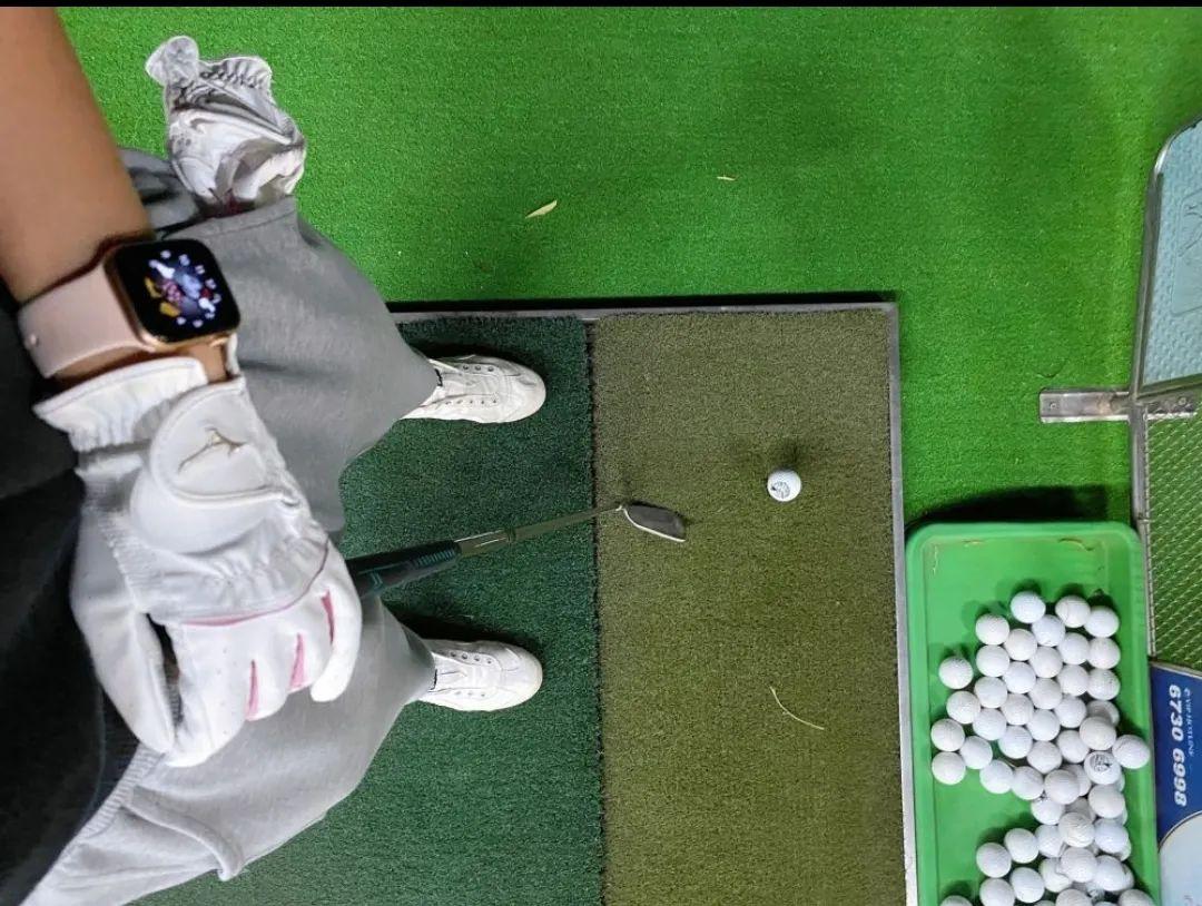 【水上高尔夫练习球场】感受不一样的运动魅力!39.9/79.8元享门市价200/400元的【四季高尔夫·窑洼湖国际高尔夫】单人/双人畅打套餐(球(不限)、 打位、高尔夫球杆,畅打一小时)