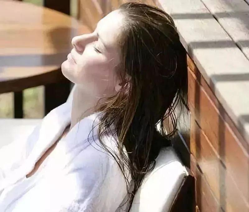 【32店通用·邱中乔养发馆】对头发好一点,让它焕发光泽,秋冬护法大招来啦!29.9/88元享中药护法套餐A/B,让头发乌黑浓密