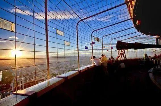 【中央电视塔】限量抢购,39.9元起抢夜场门票,登中央电视塔,赏京城最美景色,一览城市风貌!