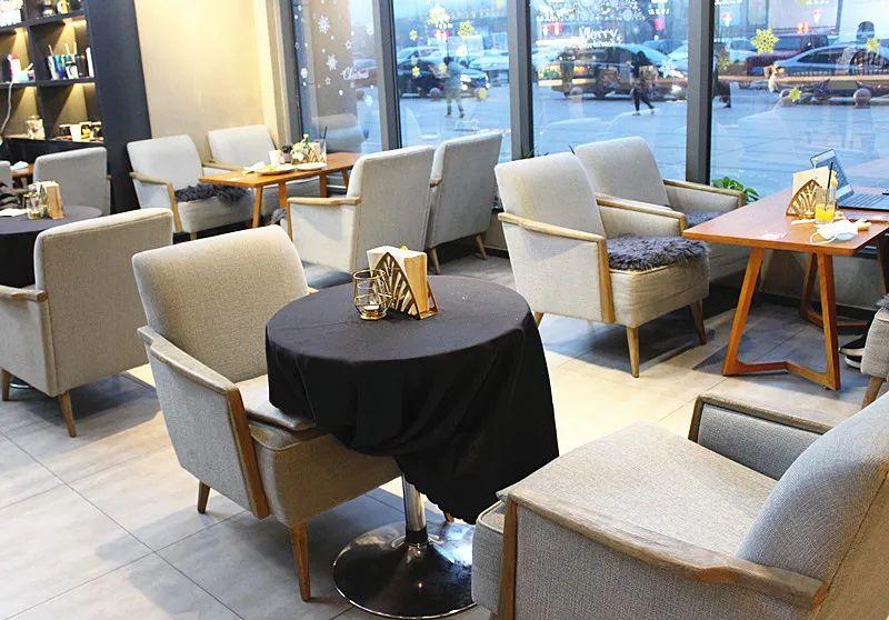 【四惠地铁直达】【艾绅咖啡西餐厅】机器人咖啡师镇店!138元享门市价572元双人餐:岩板菲力牛排+9寸牛肉披萨+碳烤牛排&素食沙拉+墨西哥玉米片...甜蜜的享受,来自这一份对西餐的爱恋
