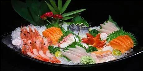 【重庆天地-鲨鱼餐厅】只598元享门市价1128元【与鲨共舞套餐】:冰球蚌仔、酸奶冰菜沙拉、贝壳海鲜野菌汤...享法式美味