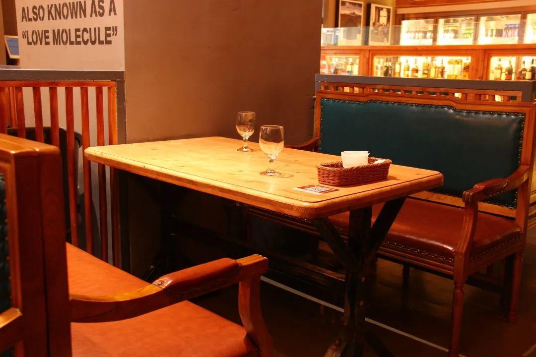 【新会·美吉特广场】39.9元享门市价78元的『欢乐早餐/下午茶套餐』;118.8元享门市价298元的『双人西餐套餐』;白天是悠闲时光,晚上是浪漫情怀;在这里,满足你对音乐餐厅的一切幻想~