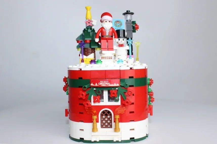 【圣诞送礼指南   惊喜礼物】平价乐高,圣诞暖心好礼!仅59.9元抢门市价99元【圣诞旋转小屋·积木拼装八音盒】机械联动旋转,亲子、情侣、闺蜜组装更有趣!浪漫组装,圣诞歌曲奏响,成就感、幸福感满分!
