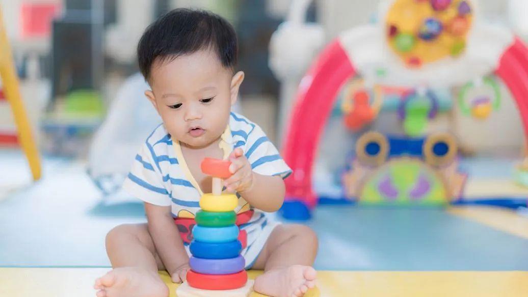 【1-3岁宝宝的必修课】仅需59元,跟着资深早教大咖喵姐学早教,48个亲子游戏,从日常生活中启发孩子8大核心能力,在家不花一分钱,也能玩出国际早教课