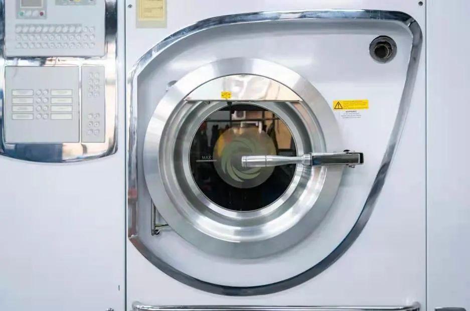 【女王洗衣】99元=门市价200元洗衣套餐:一次性洗衣五件(衣服鞋子任选)~让洗衣服变得简单起来