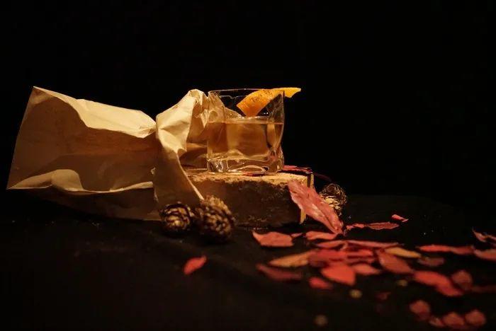 午夜福利来袭【和平区滨江道 ·陶·BAR】深夜的灵魂港湾,陪你一醉方休!58元享门市价182元的双人鸡尾酒8选2套餐!陶之夭夭/竹隐/荆棘/威士忌酸/莫吉托/大都会/水果宾治/落日+精选小吃拼盘!