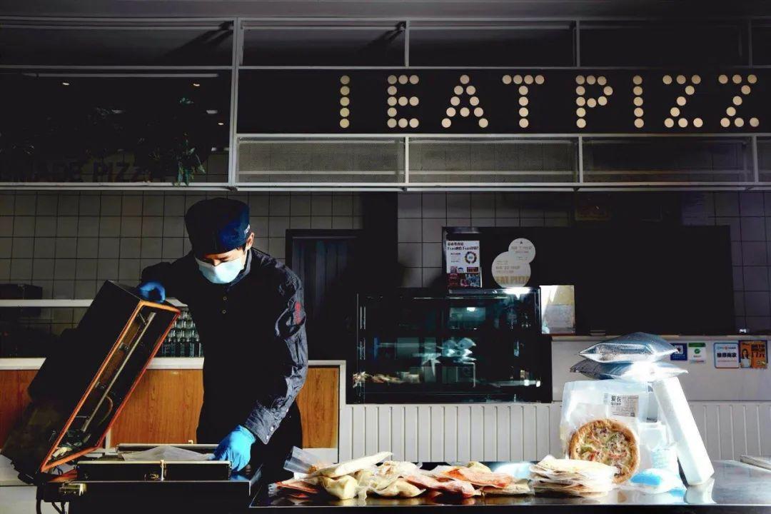 【大牌来袭品质保障*爱衣•榴莲披萨*顺丰包邮到家 】89.9抢双人套餐/休闲套餐/超值套餐,披萨、意面、小吃······冷链半成品包装,锁住营养和美味,自主选择食用时间!