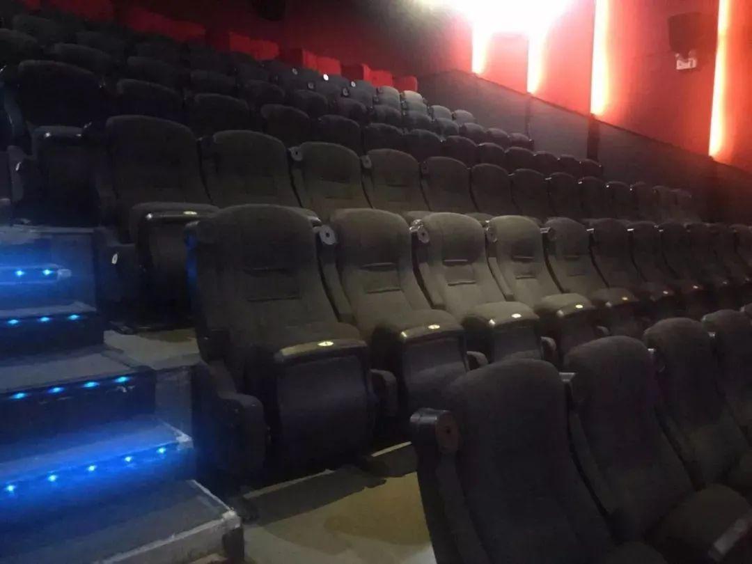 在这里,你喜欢的每一部电影都不会错过,燃烧吧,热爱电影的灵魂!仅49.9享『新星影城双人观影套餐』!2D、3D、VIP厅通用,不限场次,让你想看就看(任何电影任何时段都可以使用)