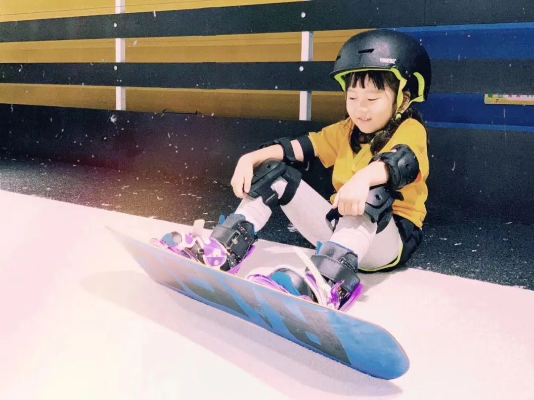 【提供免费雪具】3D滑雪新体验!仅29.9元享门市价300元【首尚室内滑雪】单人票滑雪30分钟!教练指导+滑雪~