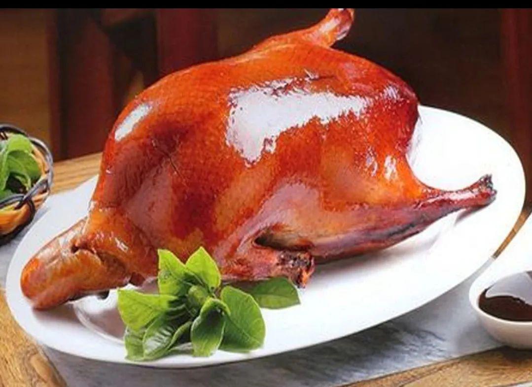 【无需预约·金百万源食汇烤鸭】仅69元享门市价222元的【烤鸭套餐】,色香味俱全,每一口都惊艳的味道~